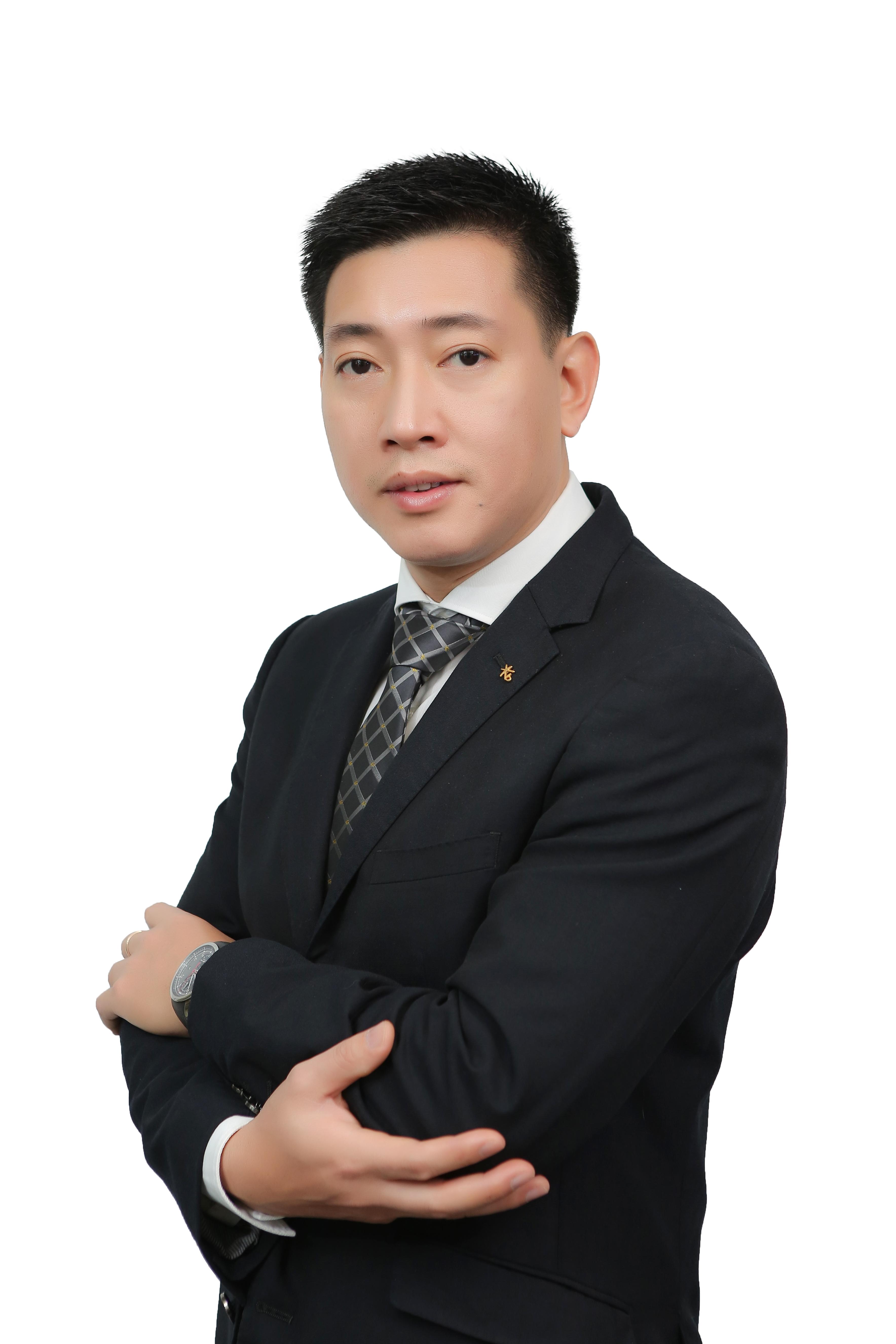 Mr. Nguyen Duc Hoan </br> CEO