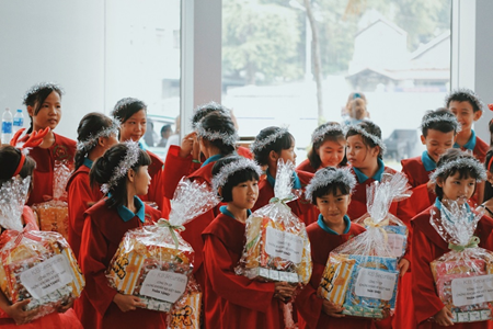 KBSV and orphaned children enjoy Christmas