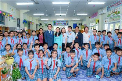 """Khánh thành """"Thư viện Cầu vồng KB"""" thứ 19 tại trường Tiểu học Ngô Quyền - TP. HCM"""
